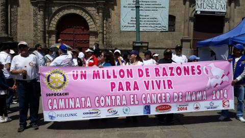 Rotary Sopocachi realiza Caminata contra el Cancer de Mama y Feria de Salud