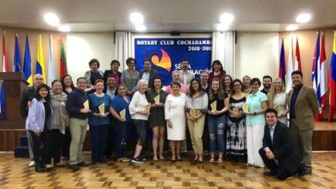 RC Cochabamba: Reconocimiento a los médicos voluntarios