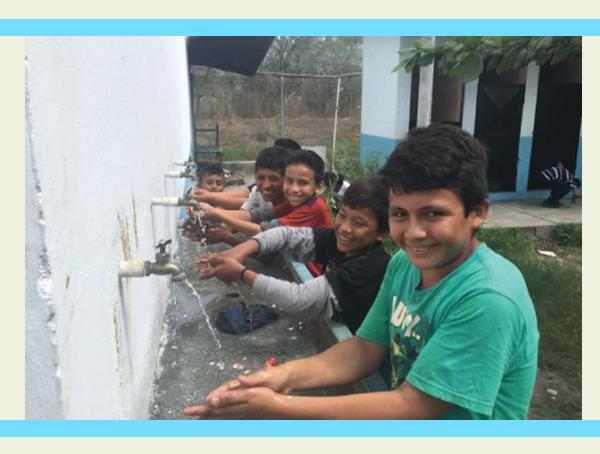 Escuelas reciben suministro de agua potable